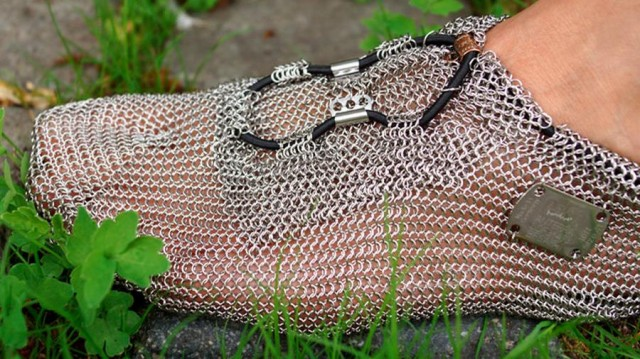 Chainmail shoes (1)