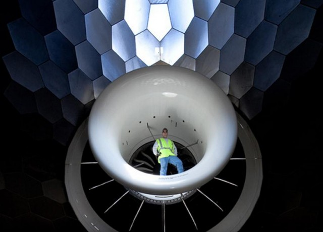 This is how GE Tests Jet Engines (4)