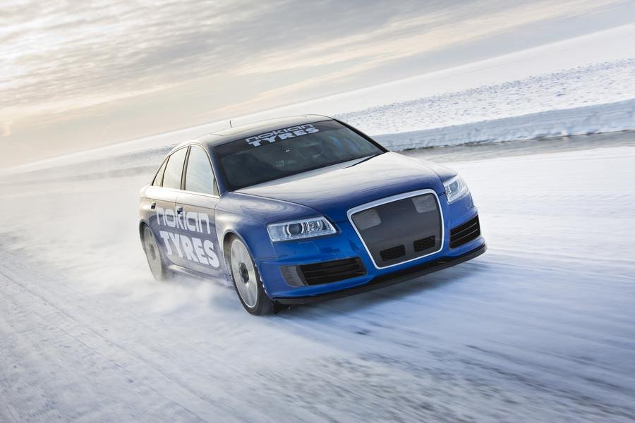 Audi RS6 at 208 mph... on ice (6)