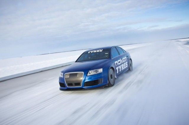Audi RS6 at 208 mph... on ice (4)