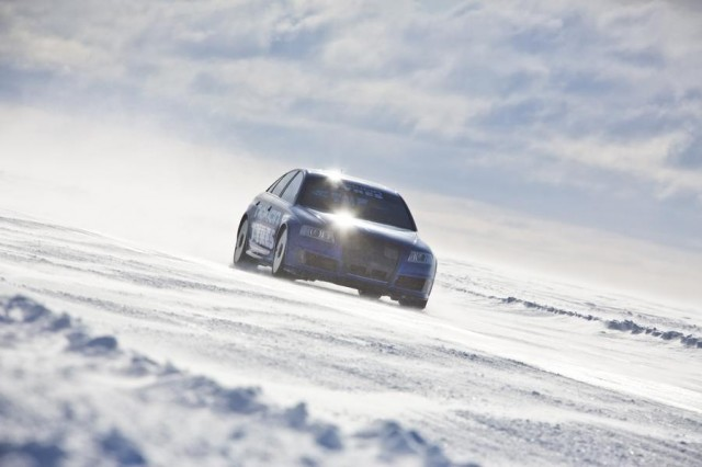 Audi RS6 at 208 mph... on ice (2)
