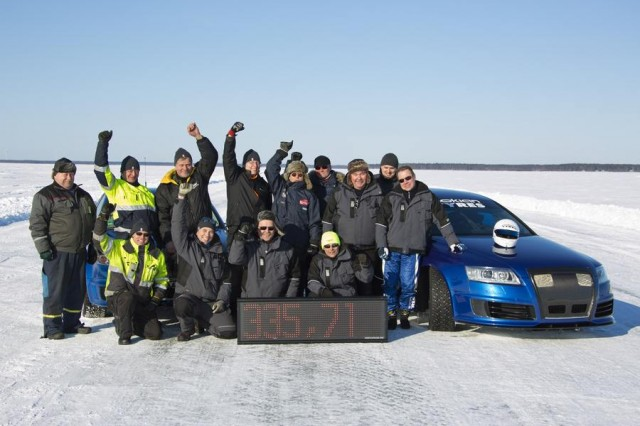Audi RS6 at 208 mph... on ice (1)