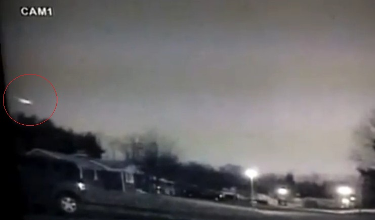 Fireball Lights up the US East Coast