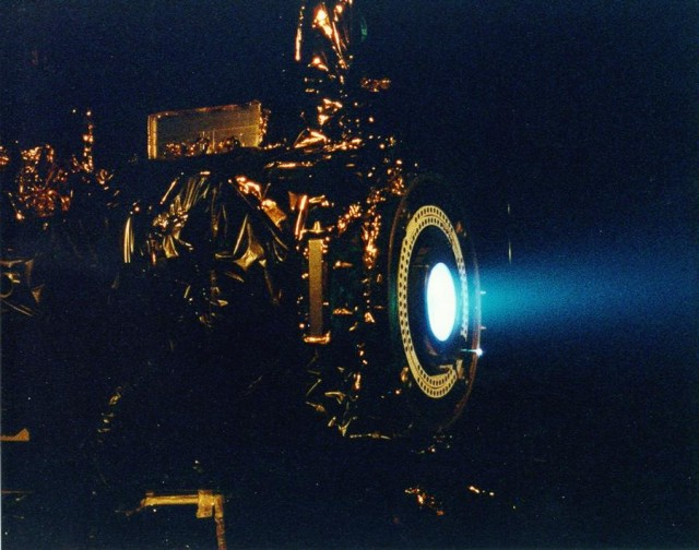 Thrusters powered by ionic wind (4)