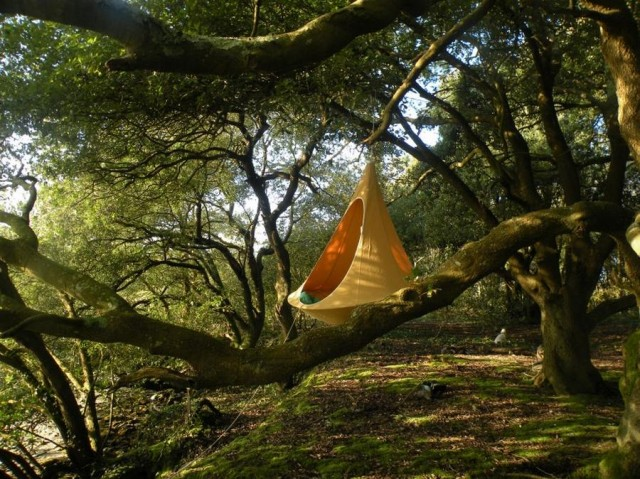 Cacoon hanging tree-house (3)