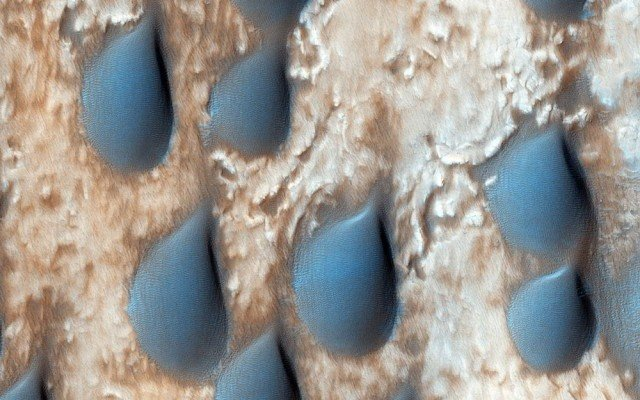 Sand dunes in Copernicus Crater, on Mars