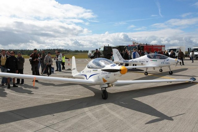 Solar-Powered Airplanes by SolarWorld and PC-AERO (2)