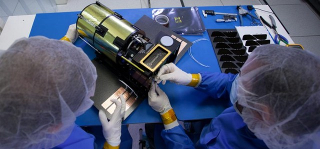 ARKYD- A Space Telescope for Everyone (7)