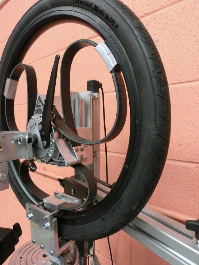 Loopwheel- bicycle wheel with integral suspension (3)