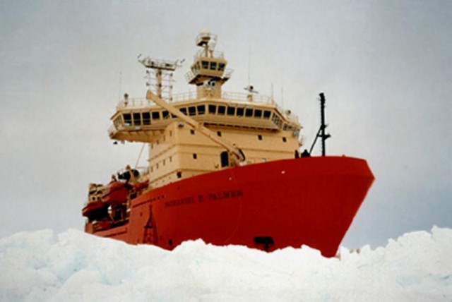 Nathaniel B. Palmer ice-capable research ship (2)