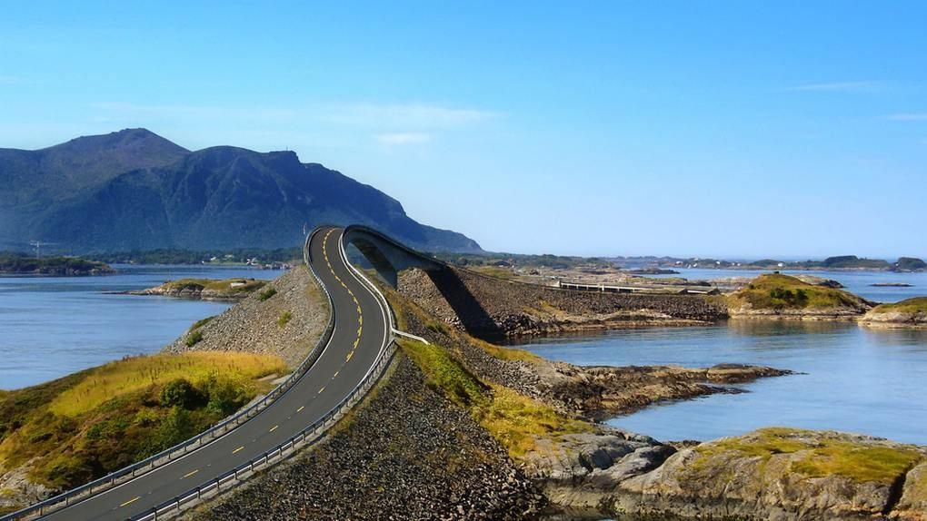 wordlessTech | Atlantic Ocean Road Pacific Ocean Waves