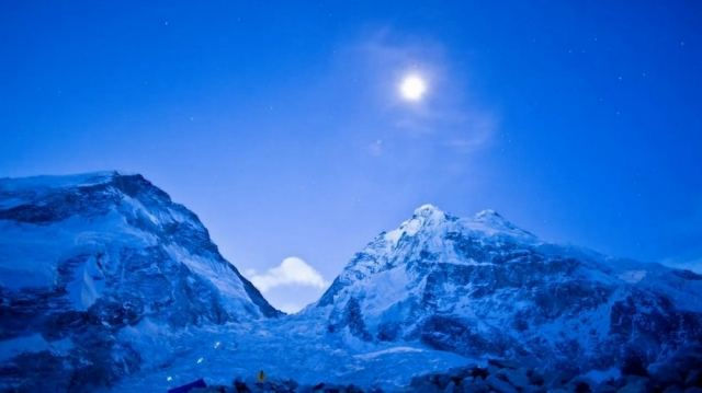 Everest - a time lapse