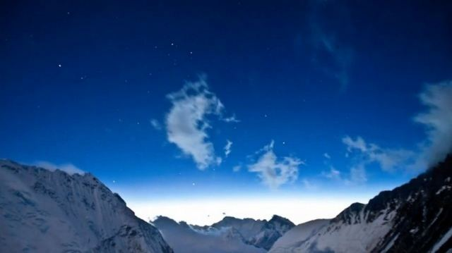 Everest - a time lapse (2)