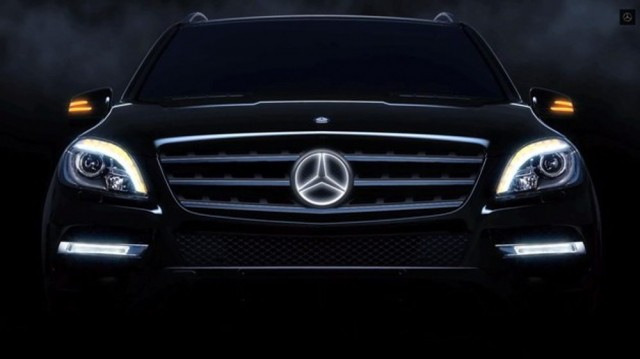 Mercedes-Benz- the Illuminated Star 2