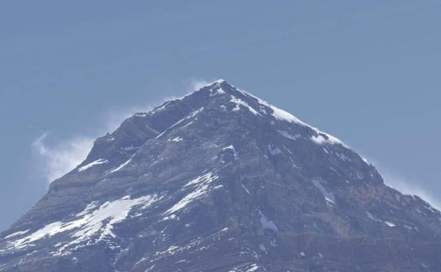 4G LTE now available on Mount Everest (1)