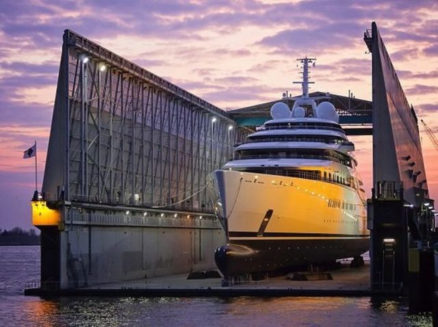 Azzam world's largest private yacht takes to the sea (6)