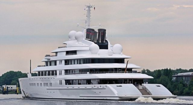 Azzam world's largest private yacht takes to the sea (1)