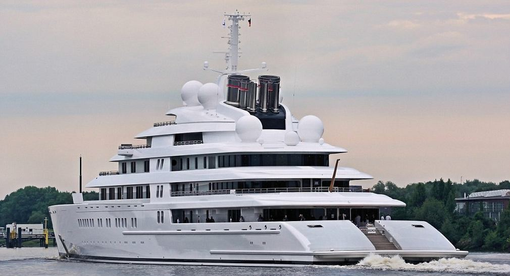 Wordlesstech azzam world s largest private yacht takes for Largest private boat