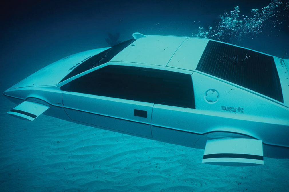 Lotus Esprit Submarine Car will be sold at auction 1