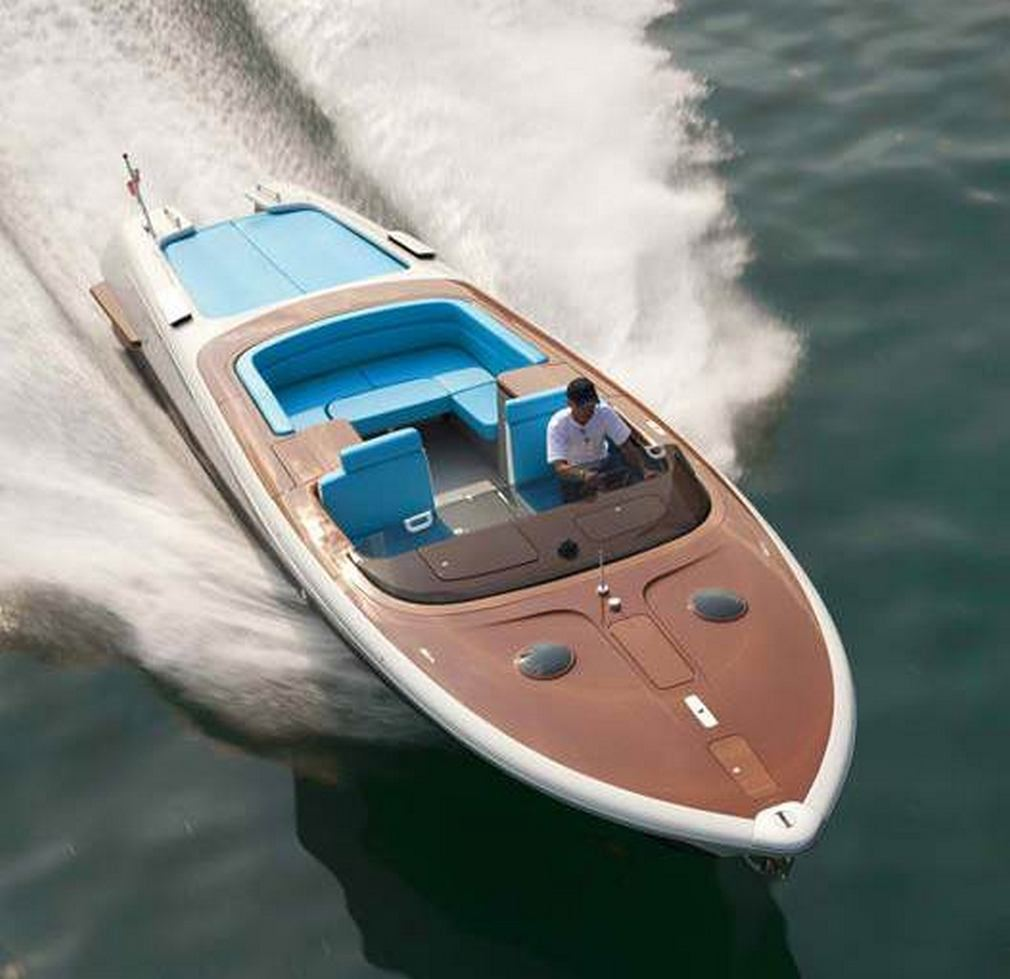 Retro Riva Speed Boat by Marc Newson (6)