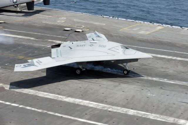 X-47B makes first carrier landing 2