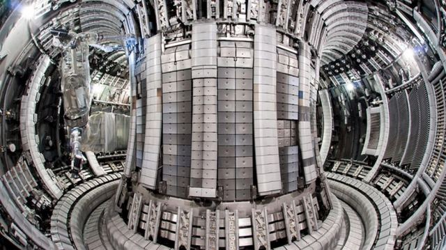 The the largest tokamak Fusion reactor in the world