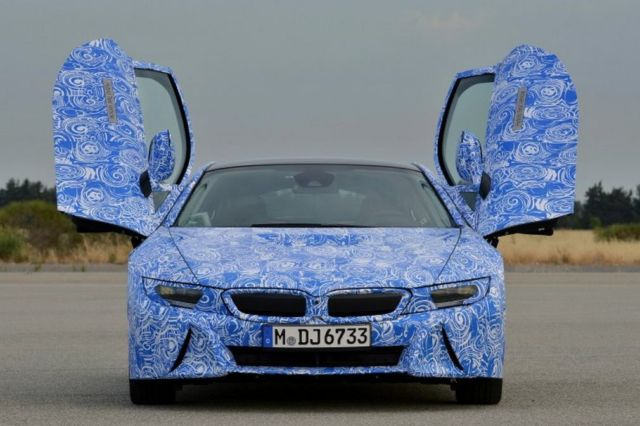BMW's i8- First car to use Scratch-Resistant Gorilla Glass 4