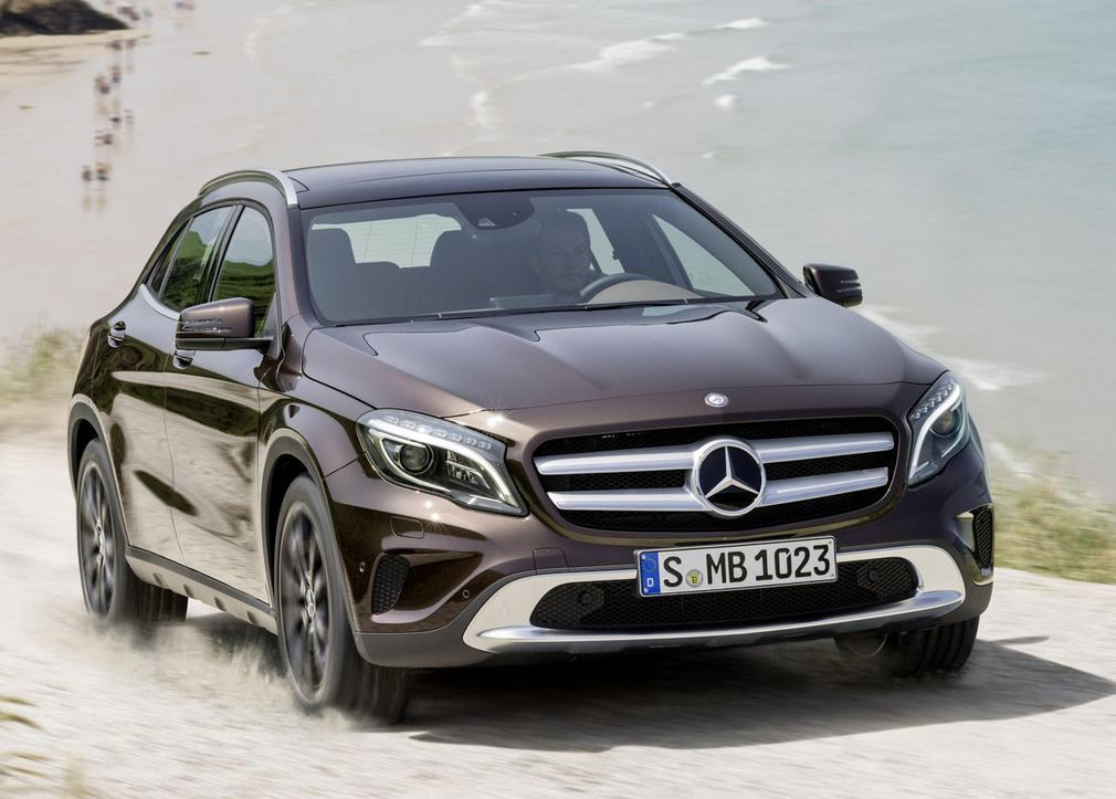 The new mercedes benz gla wordlesstech for The latest mercedes benz