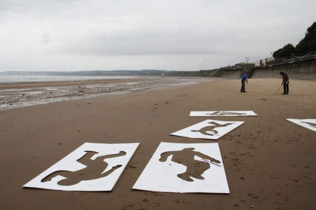 9,000 Sand Drawings commemorate the fallen on D-day (1)