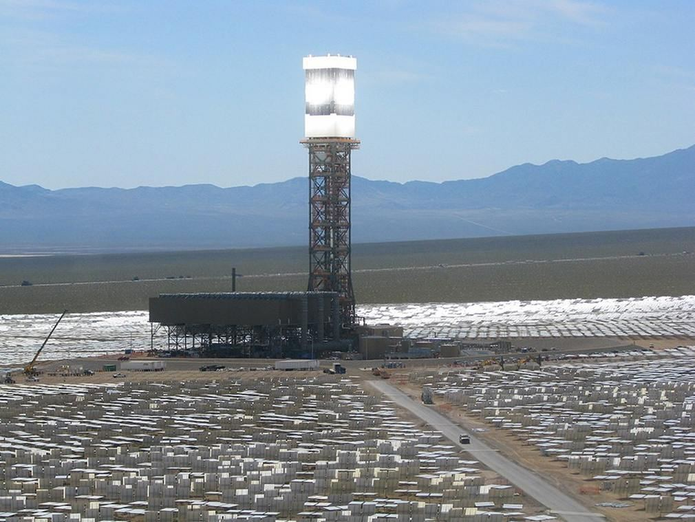World's largest solar thermal plant on line 1
