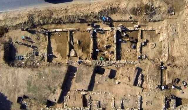 2,700-year-old Shopping Mall discovered in Greece 1