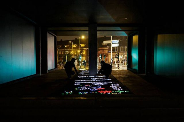 Interactive LED crystals of light by Daan Roosegaarde (4)