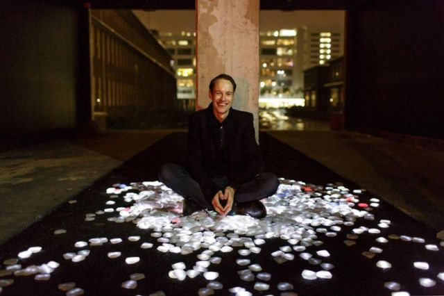 Interactive LED crystals of light by Daan Roosegaarde (2)