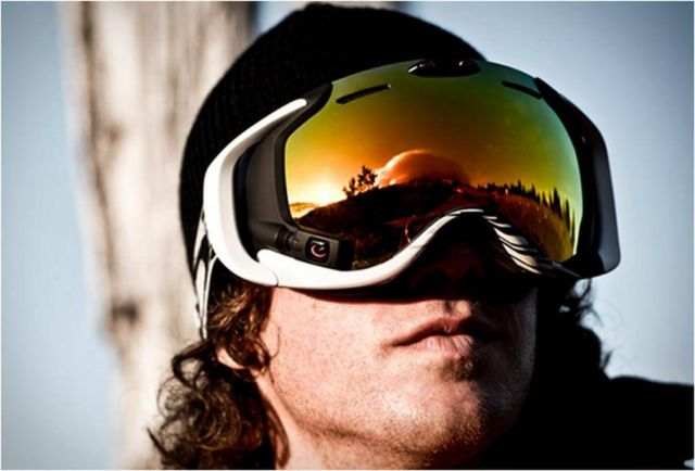 Oakley Airwave goggle with heads-up display 1