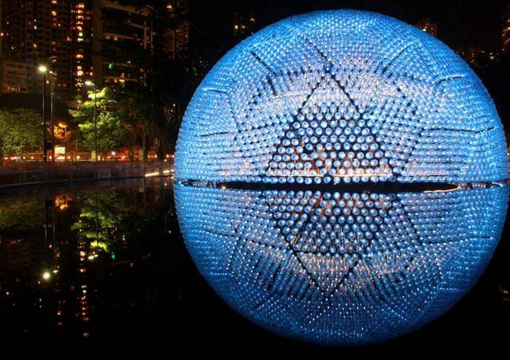 Rising Moon pavilion made from recycled bottles (5)