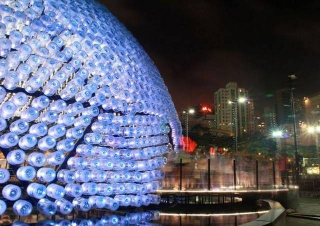 Rising Moon pavilion made from recycled bottles (3)