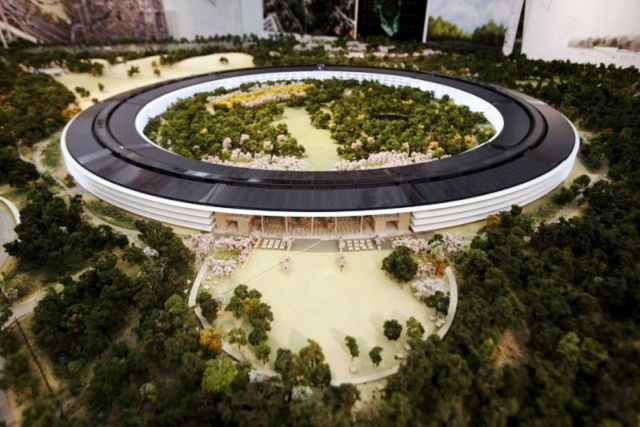 The $5 billion spaceship inspired new Apple HQ 1