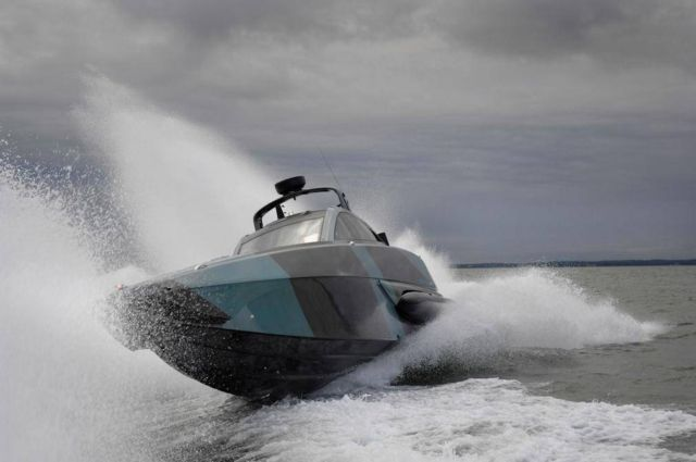 XSR Interceptor speedboat (9)