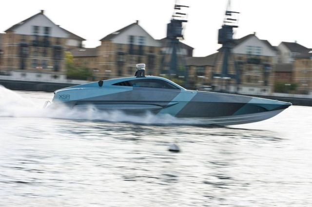 XSR Interceptor speedboat (7)