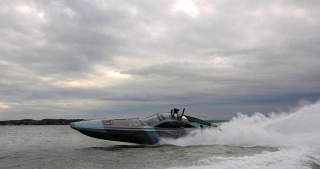 XSR Interceptor speedboat (4)