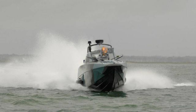 XSR Interceptor speedboat (2)