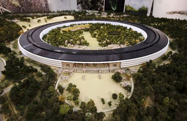 Apple reveals new images of its Spaceship like headquarters (7)