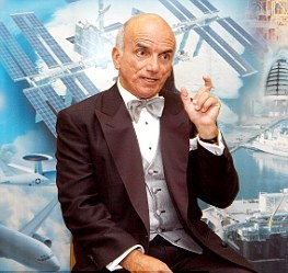 Billionaire Dennis Tito plans manned mission to Mars (1)