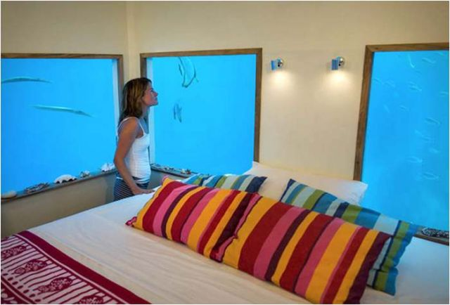 Manta Resort underwater room (2)