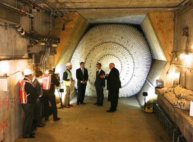 NYC's Inflatable Tunnel Plug will stop Floods and Smoke 1