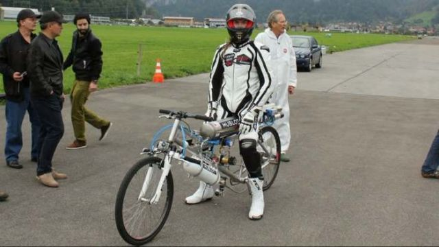 New Rocket Bicycle record 285 kmh 2