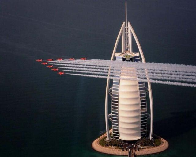 Red Arrows arriving at Dubai 1