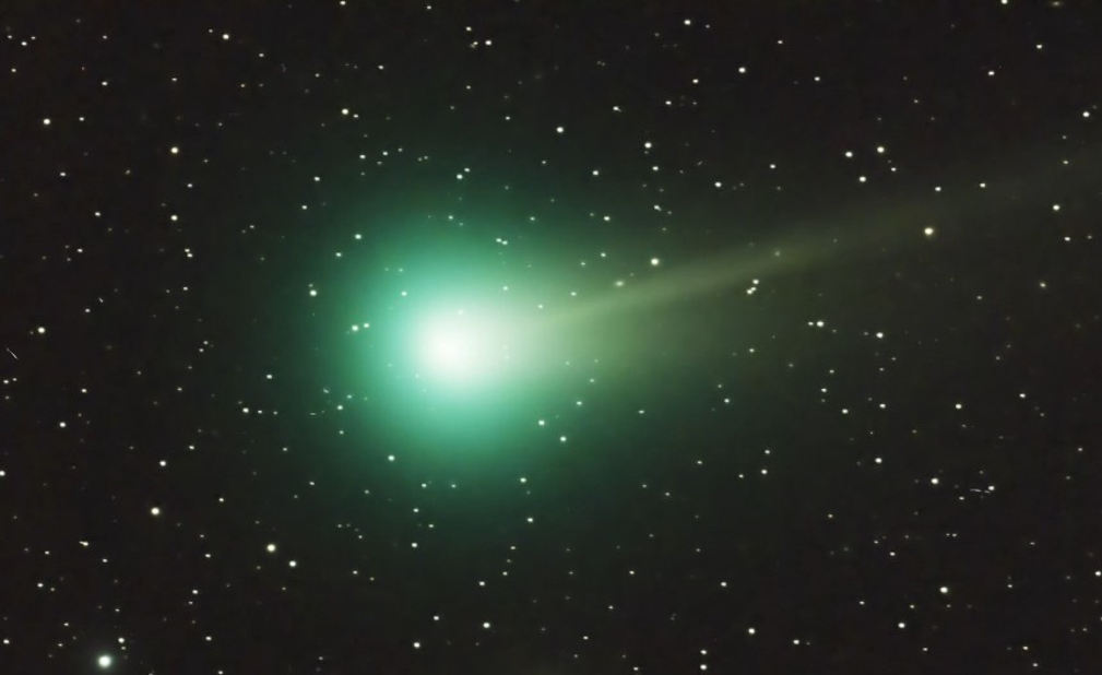 Timelapse of Comet ISON and Lovejoy