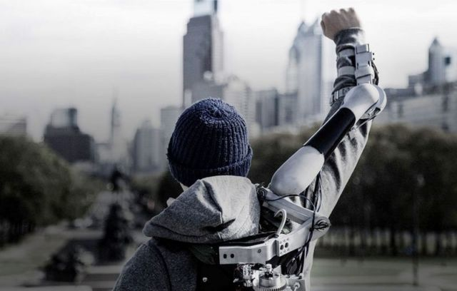 Titan Arm Exoskeleton is the Dyson Award winner 1