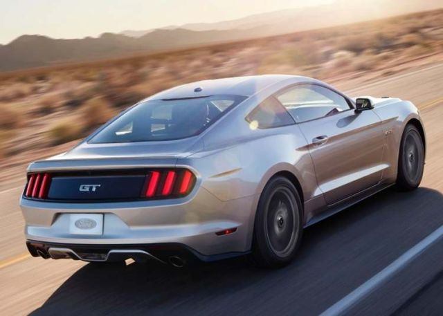 2015 Ford Mustang 8